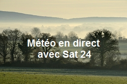 Landscape of the countryside, at morning, with fog (Mayenne, Fra